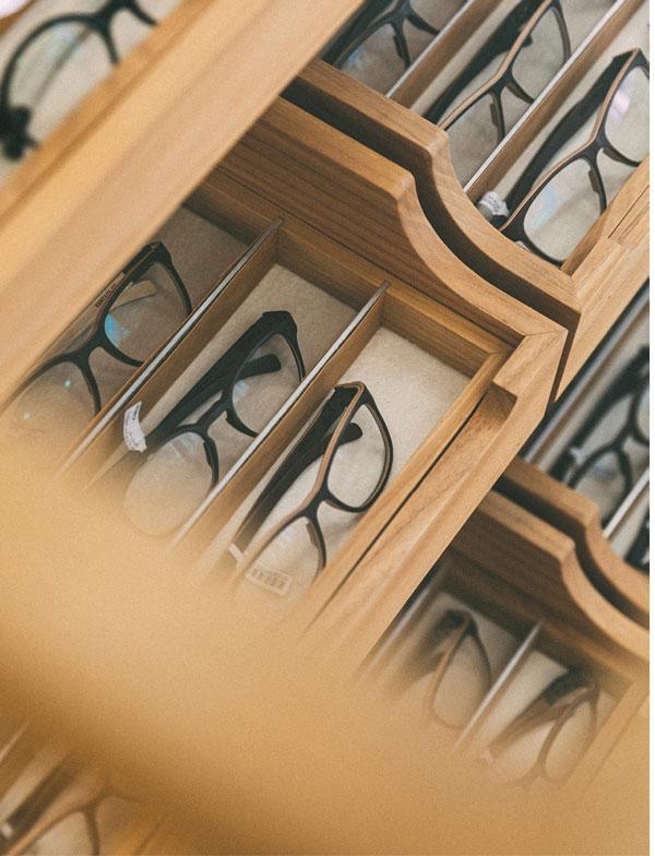 Brillenschatullen mit Brillen
